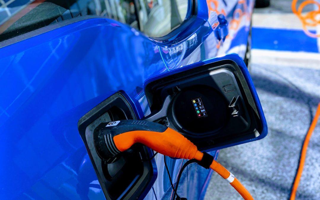 Auto elettriche: Cariche in 10 minuti!